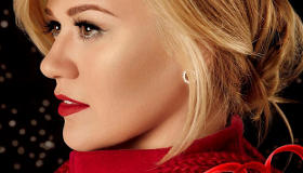 Paroles & vidéos : Kelly Clarkson - Please Come Home For Christmas