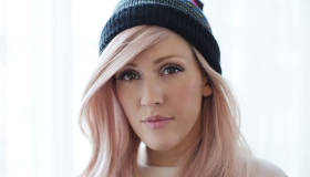 Paroles & vidéos : Ellie Goulding - Beating Heart