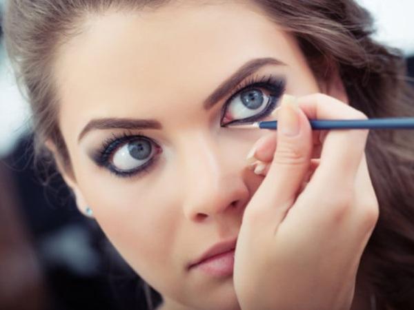 Vidéo bêtisier du maquillage pour les yeux bleus Cola's Hood