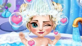 stars : Bébé Elsa prend le bain