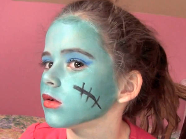 Comment ressembler une monster high gr ce au maquillage - Comment faire une chambre monster high ...