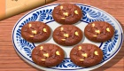 Prépare des cookies au chocolat