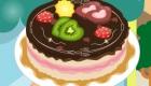 Une cuisinière décore des gâteaux