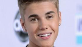 Justin Bieber chante pour Selena Gomez