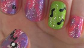 Des ongles de star: la parfaite manucure de filles (vidéo)